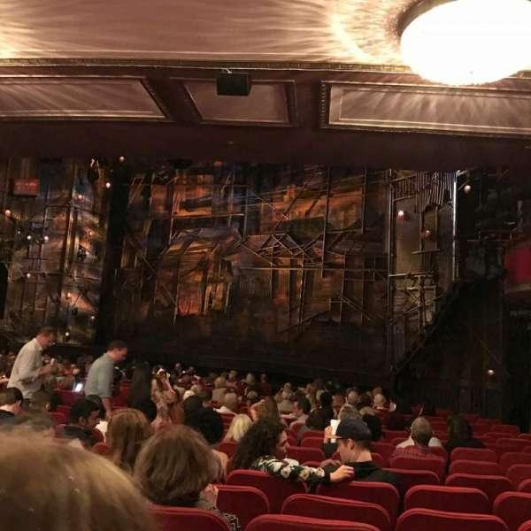 Broadway Theatre - 53rd Street, secção: Orchestra R, fila: T, lugar: 23