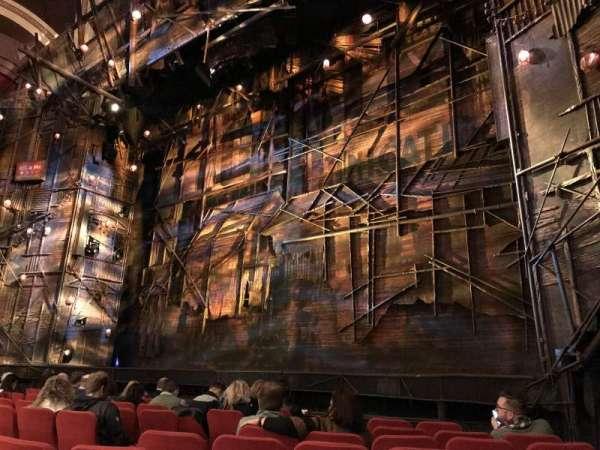 Broadway Theatre - 53rd Street, secção: Orchestra R, fila: I, lugar: 13