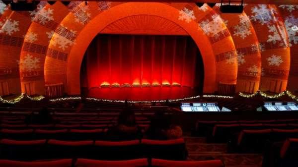Radio City Music Hall, secção: 2nd Mezzanine 5, fila: J, lugar: 502
