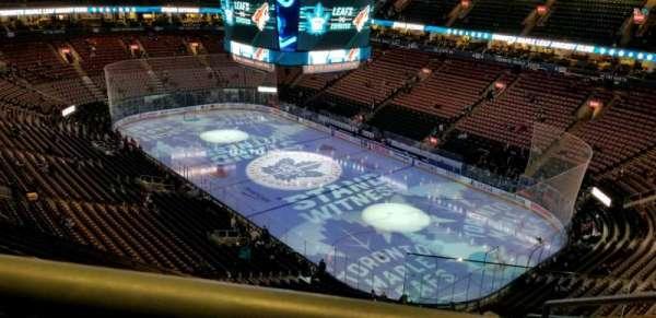 Scotiabank Arena, secção: 306, fila: 12, lugar: 1