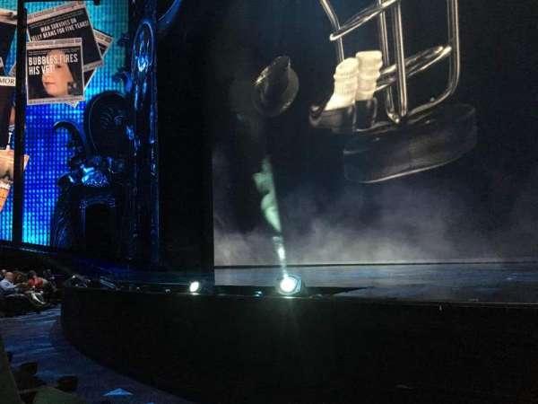 Michael Jackson One Theatre, secção: 103, fila: B, lugar: 1