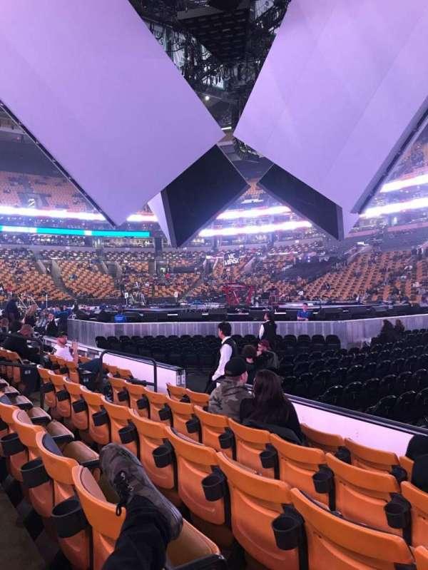 TD Garden, secção: Loge 21, fila: 5, lugar: 3-4