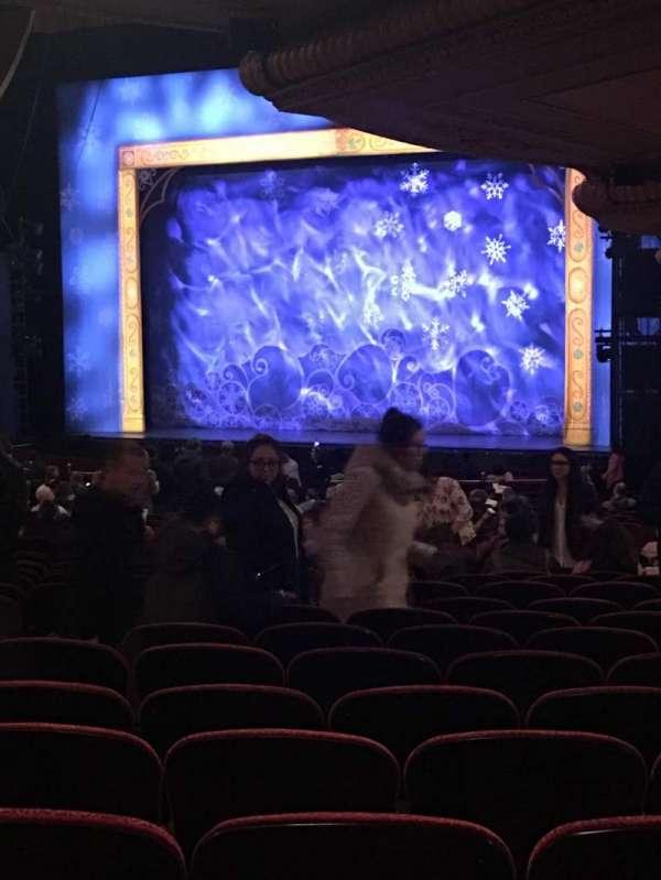 Wang Theatre, secção: Orchestra Box R4, fila: 1, lugar: 4