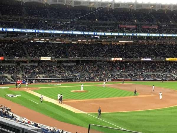Yankee Stadium, secção: 210, fila: 4, lugar: 2