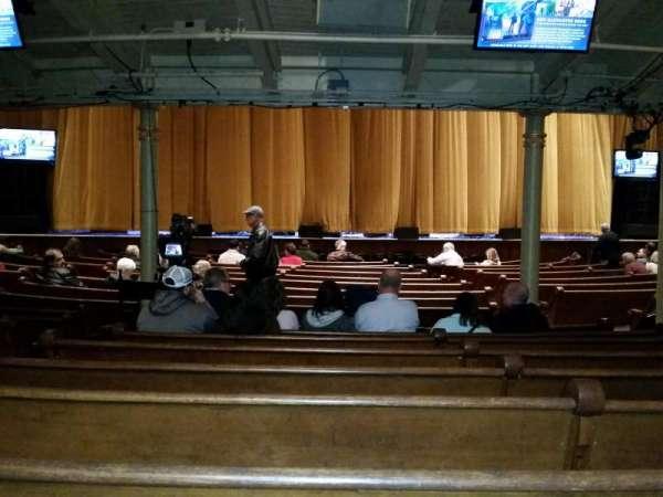 Ryman Auditorium, secção: MF-5, fila: U, lugar: 8