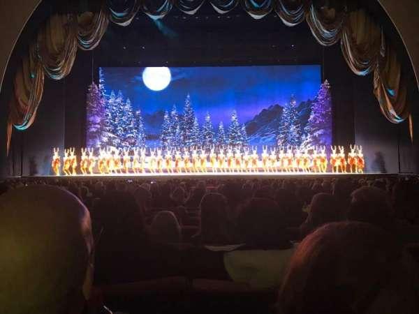 Radio City Music Hall, secção: Orchestra 4, fila: SS, lugar: 406