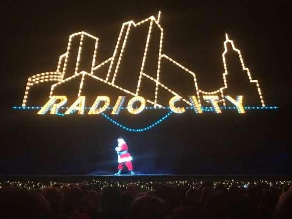 Radio City Music Hall, secção: Orchestra, fila: SS, lugar: 406