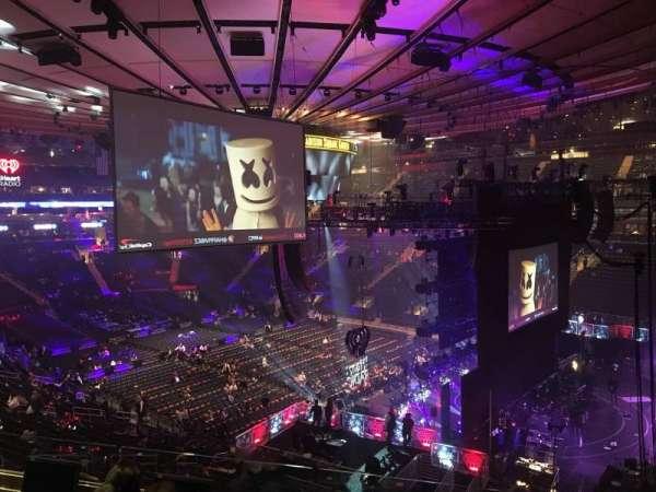 Madison Square Garden, secção: 214, fila: 4, lugar: 16