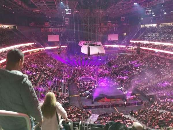 T-Mobile Arena, secção: 213, fila: J, lugar: 1