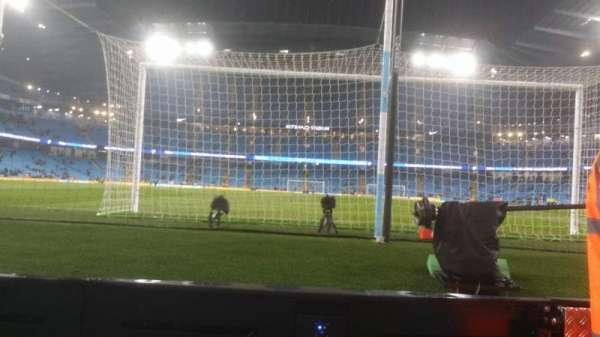 Etihad Stadium (Manchester), secção: 137, fila: 1, lugar: 1025