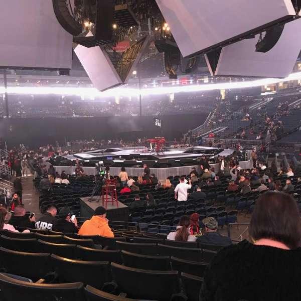 Oracle Arena, secção: 110, fila: 8, lugar: 2