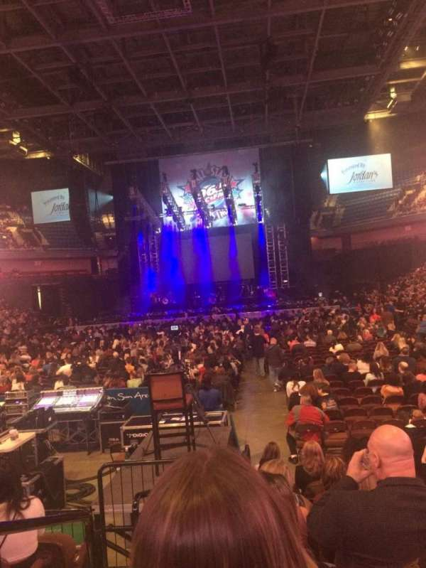 Mohegan Sun Arena, secção: 19, fila: G, lugar: 10