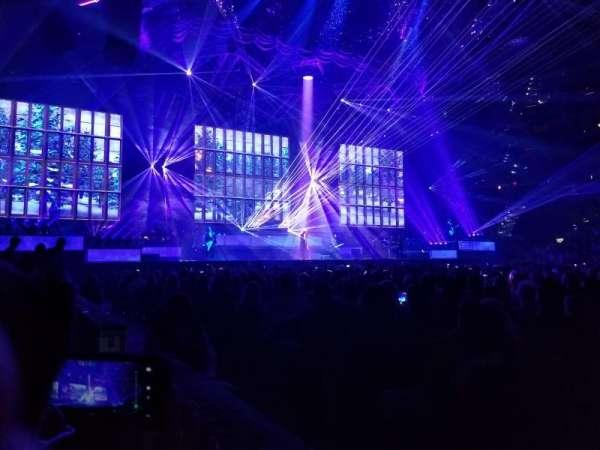 Amalie Arena, secção: 116, fila: A, lugar: 16