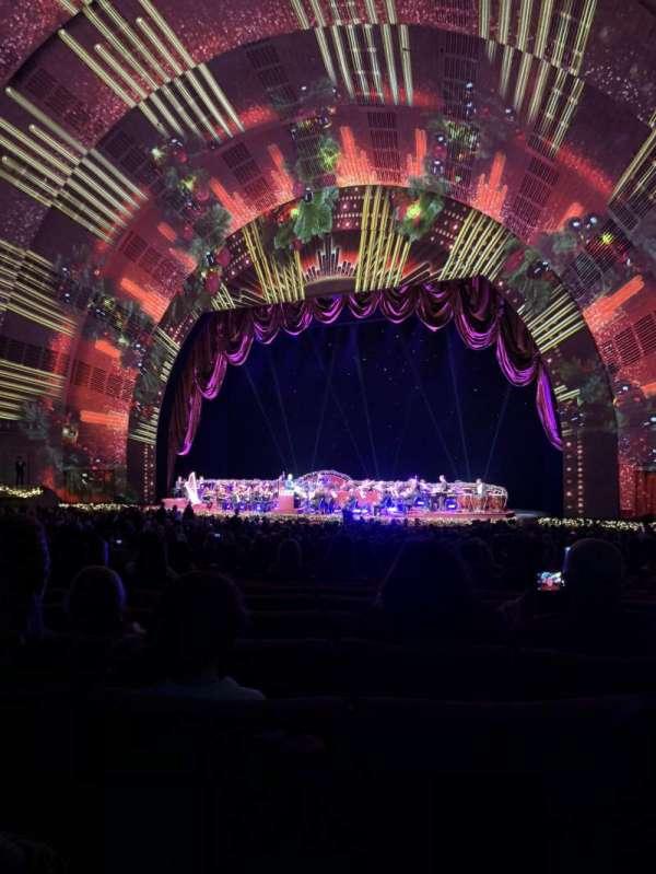 Radio City Music Hall, secção: Orchestra 2, fila: O, lugar: 203