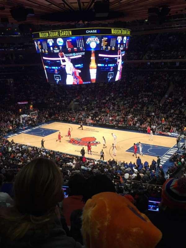 Madison Square Garden, secção: 213, fila: 6, lugar: 18