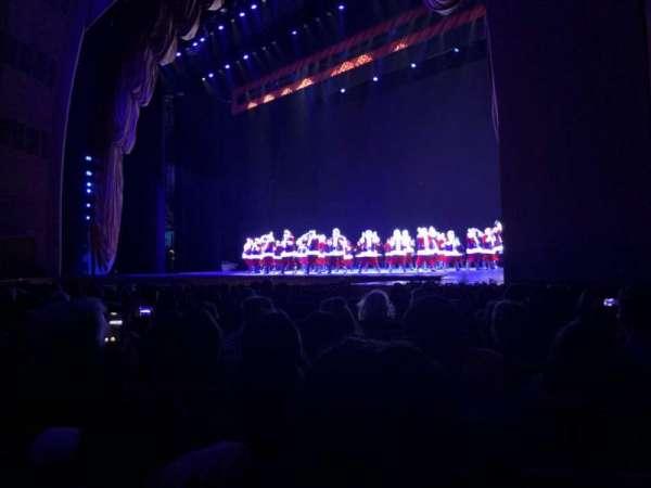 Radio City Music Hall, secção: Orchestra 2, fila: LL, lugar: 204