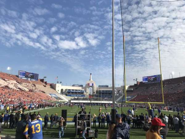 Los Angeles Memorial Coliseum, secção: 115, fila: 7, lugar: 5