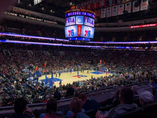 Wells Fargo Center, secção: CLUB Box 10, fila: 4, lugar: 17