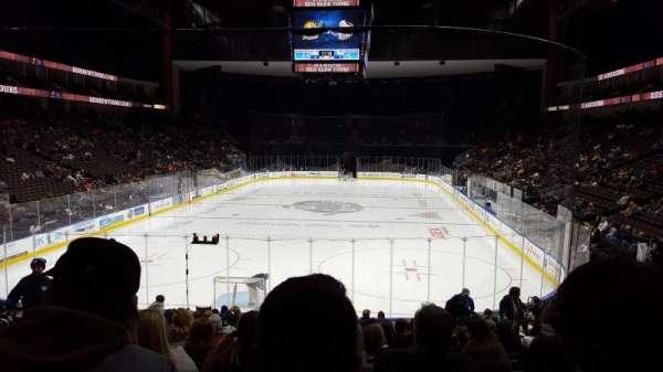 VyStar Veterans Memorial Arena, secção: 108, fila: R, lugar: 9