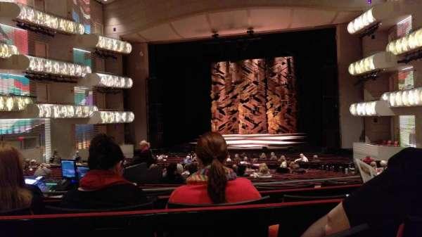 Muriel Kauffman Theatre, secção: PART-C, fila: DD, lugar: 131