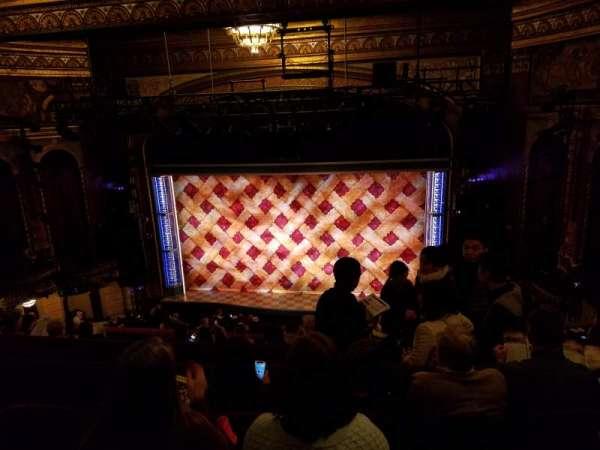Brooks Atkinson Theatre, secção: Rear Mezzanine RC, fila: H, lugar: 106