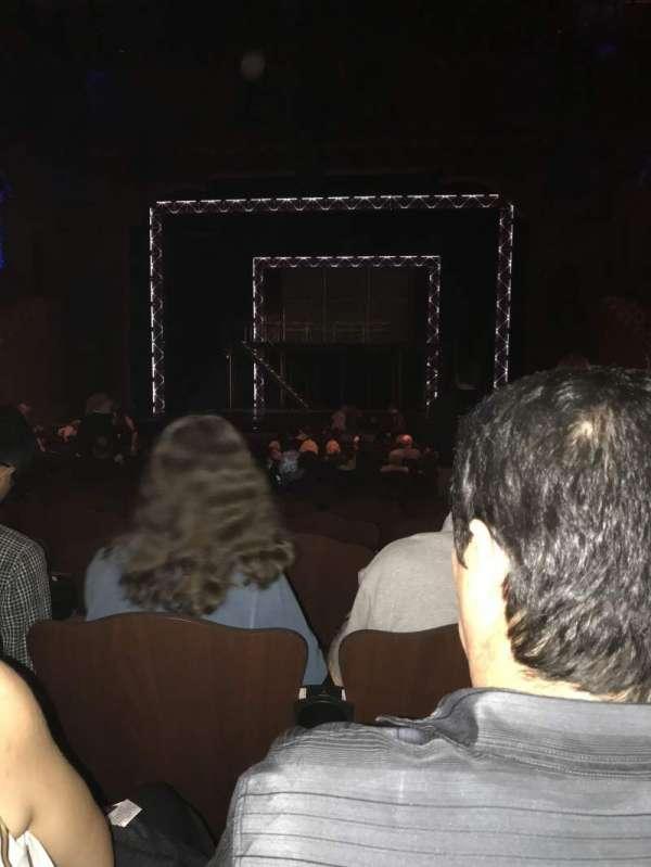 Fox Performing Arts Center, secção: Orchestra, fila: V, lugar: 101