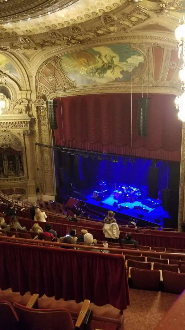 Chicago Theatre, secção: Balcony Box 17, fila: 1, lugar: A