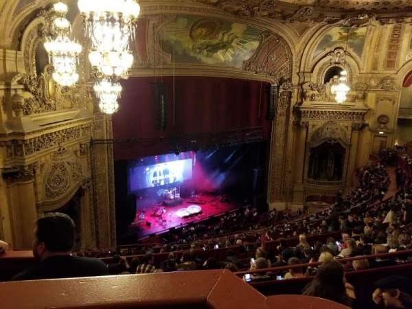Chicago Theatre, secção: Balcony Box 8, lugar: 63