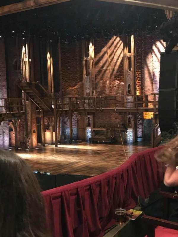 CIBC Theatre, secção: Dress Circle R, fila: B, lugar: 12-14