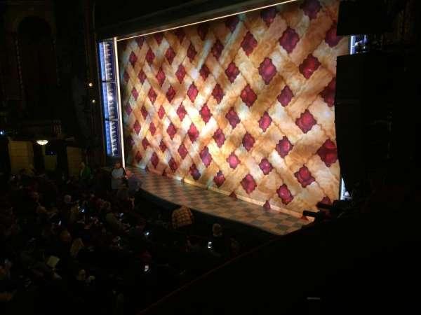 Brooks Atkinson Theatre, secção: Right Box C, fila: 2, lugar: C