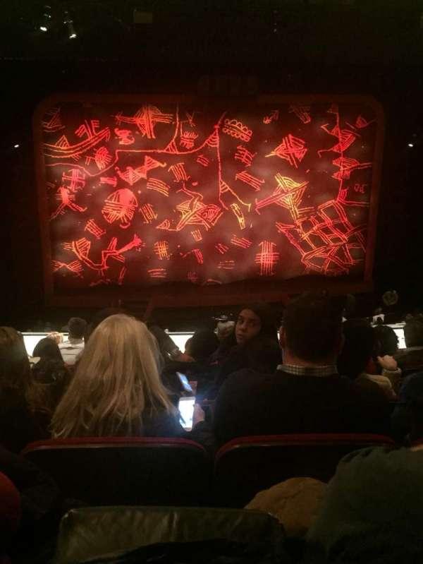 Minskoff Theatre, secção: Mezzanine, fila: H, lugar: 117
