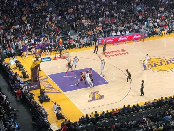 Staples Center, secção: 321, fila: 1, lugar: 3