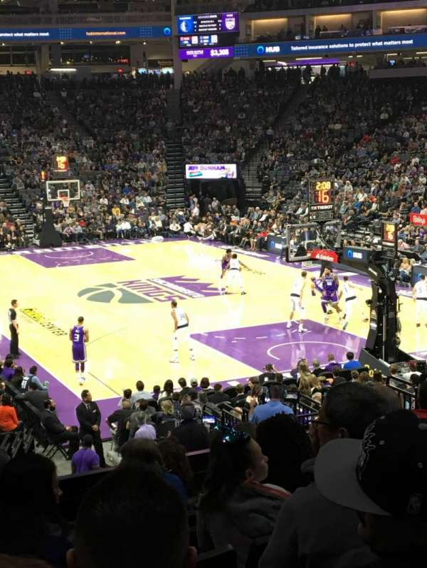 Golden 1 Center, secção: 115, fila: M, lugar: 11