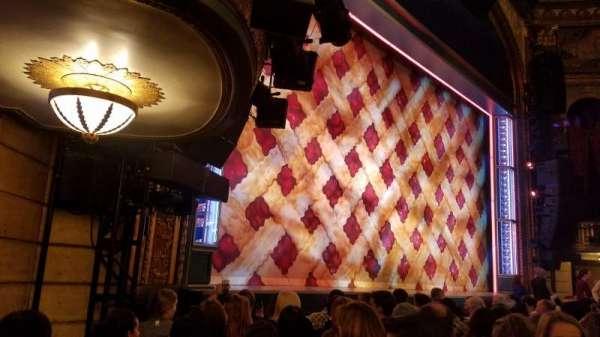 Brooks Atkinson Theatre, secção: Orchestra L, fila: F, lugar: 19