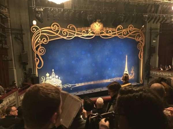 Broadhurst Theatre, secção: Mezzanine L, fila: F, lugar: 9