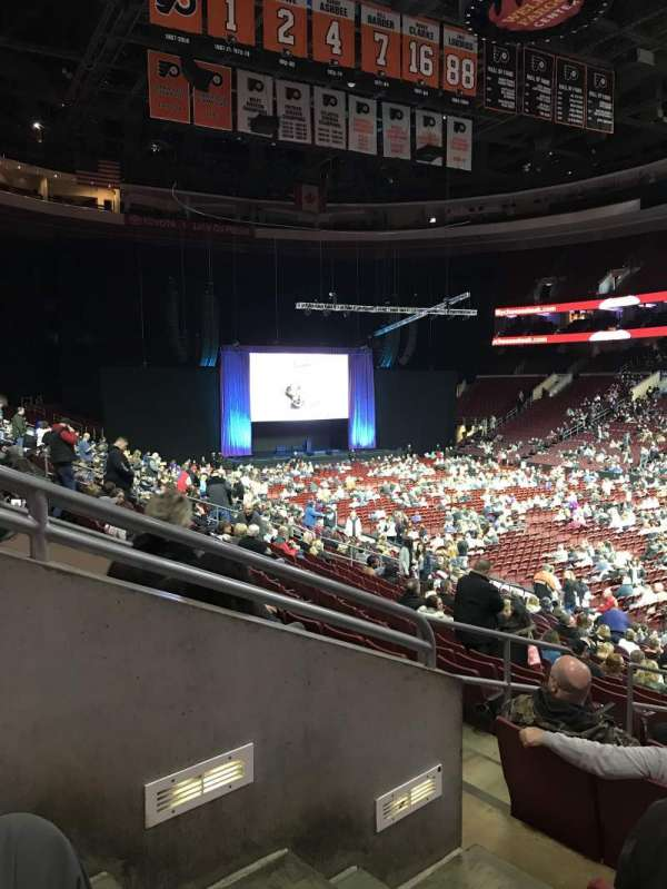 Wells Fargo Center, secção: 104, fila: 21, lugar: 2