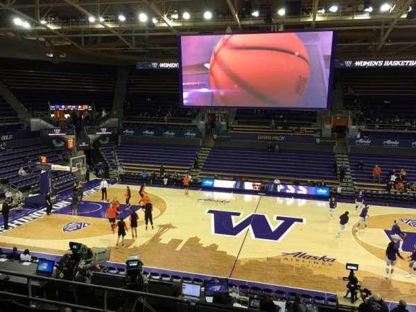 Alaska Airlines Arena at Hec Edmundson Pavilion, secção: 8, fila: 18, lugar: 8