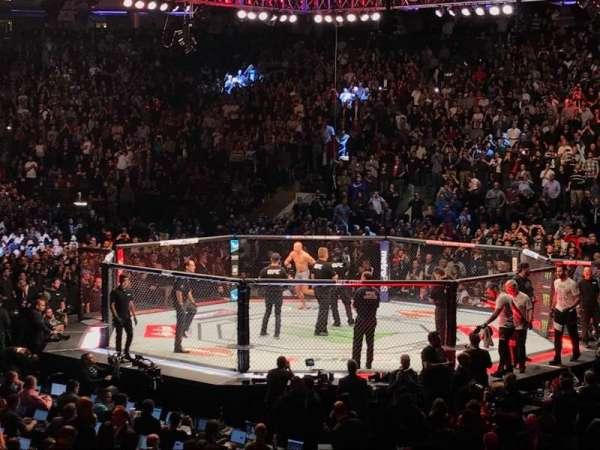 Madison Square Garden, secção: 109, fila: 10, lugar: 2