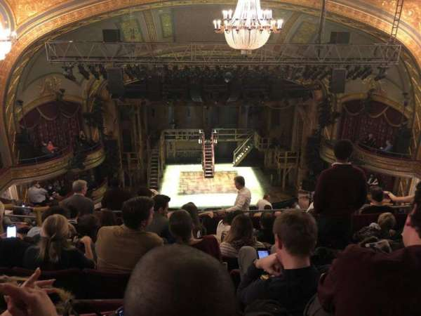 Richard Rodgers Theatre, secção: Rear Mezzanine C, fila: M, lugar: 111-112