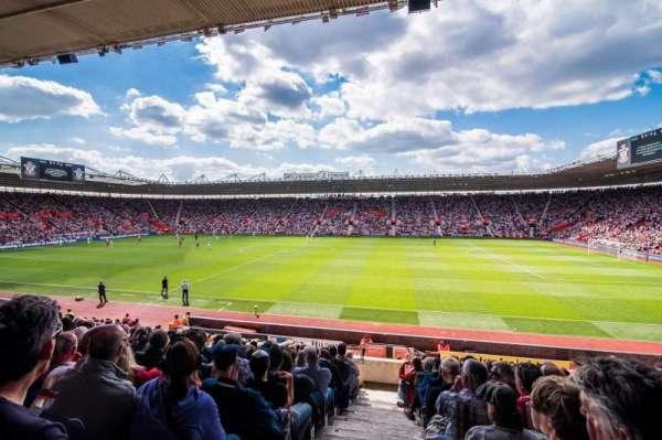 St Mary's Stadium, secção: 6, fila: 25
