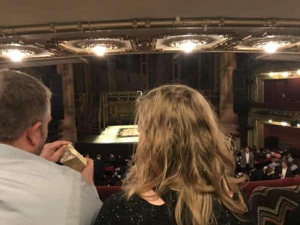 CIBC Theatre, secção: Director circle center, fila: B, lugar: 205