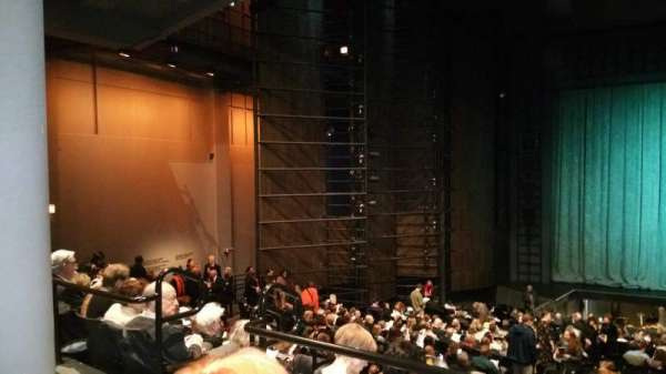 Harris Theater, secção: Orch Center, fila: Z, lugar: 103