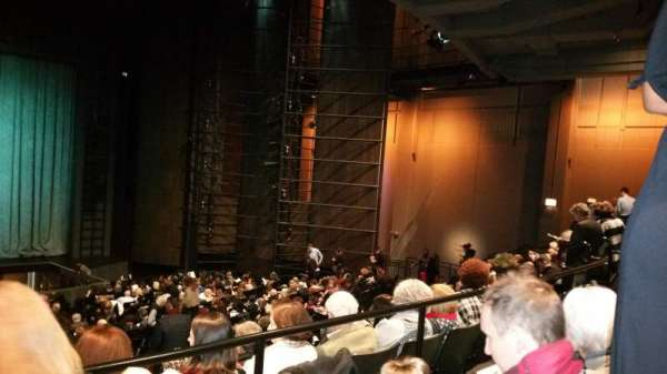 Harris Theater, secção: Orchestra Center, fila: Z, lugar: 103