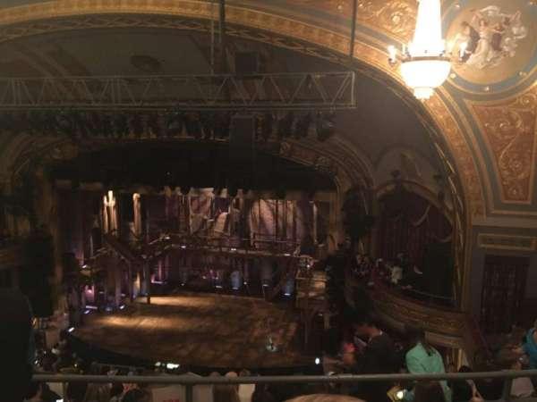 Richard Rodgers Theatre, secção: Rear Mezzanine R, fila: H, lugar: 16