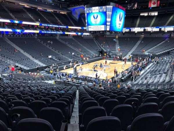 T-Mobile Arena, secção: 2, fila: W, lugar: 13