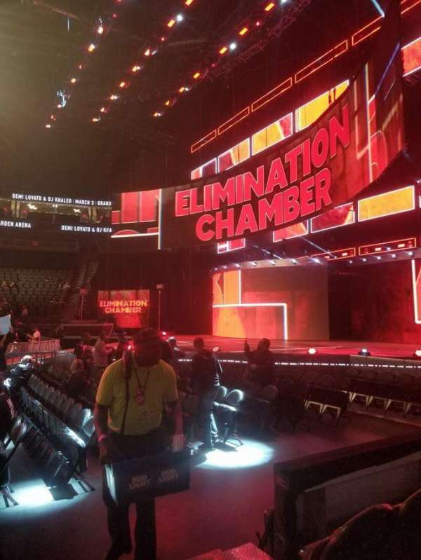 T-Mobile Arena, secção: 16, fila: CC, lugar: 21