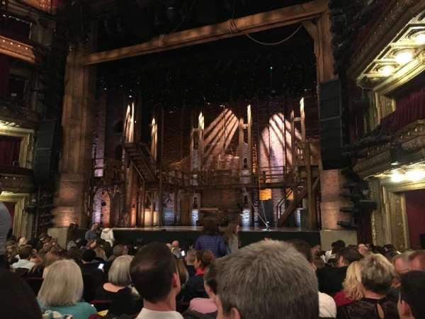 CIBC Theatre, secção: Orchestra R, fila: Q, lugar: 8
