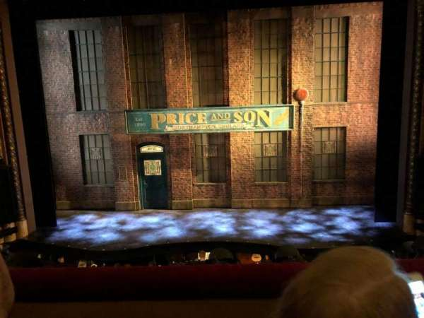 Al Hirschfeld Theatre, secção: Mezzanne Center, fila: B, lugar: 104