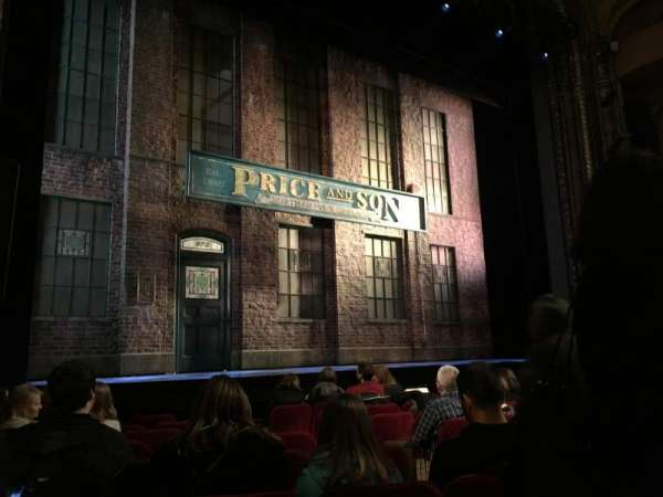 Al Hirschfeld Theatre, secção: Orchestra L, fila: J, lugar: 9