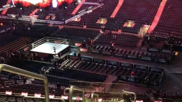 Madison Square Garden, secção: 214, fila: 18, lugar: 1